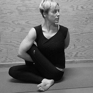 yoga5_bw300
